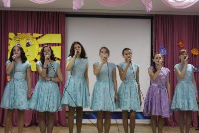 Вокальная группа – «Песня о маме».